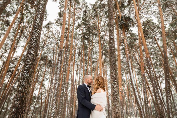 Bosque nevado fotografía de boda